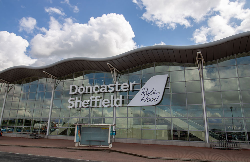 Doncaster - Manchester Airport Transfers | Luxury Chauffeur
